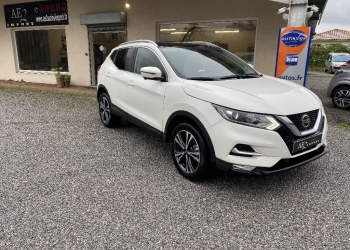 <strong>NISSAN QASHQAI</strong><br/>1.5 dCi 115 N-Connecta + toit panoramique