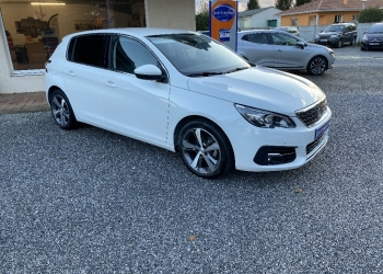 <strong>PEUGEOT 308</strong><br/>BlueHDi 130ch S&S BVM6 Allure + Caméra